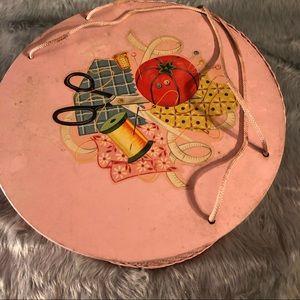 Adorable vintage sewing basket